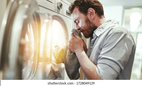 Hausmann smells of fresh clothes from the tumble dryer