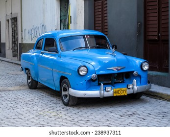 HAVANA, CUBA - NOVEMBER 18, 2012: Oldtimer car on the street of Havana, Cuba. It is estimated that there are some 173,000 cars in Cuba  and 60.000 of them are classic cars called Yank Tank.
