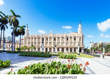 Havana, Cuba - October 03, 2018: The famous historical theater Gran Teatro in the old town on the Main Street Paseo de Marti in Havana City Cuba - Serie Cuba Reportage