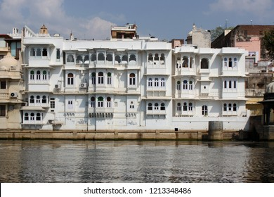 Haveli at the banks of Pichhola Lake in Udaipur, India