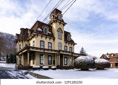 """Haverstraw, NY/United States - Jan 21, 2019: House that influenced Alfred Hitchcock """"Psycho""""  and Edward Hopper's """"House by the Railroad"""""""