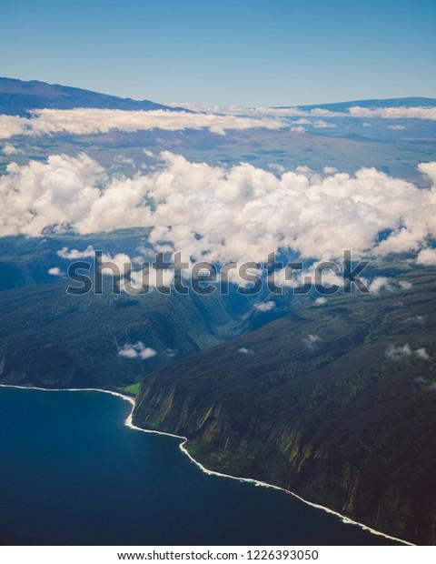 airplane window view hawaii