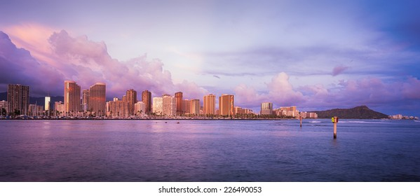 Hawaii skyline and the beautiful colors of sunset