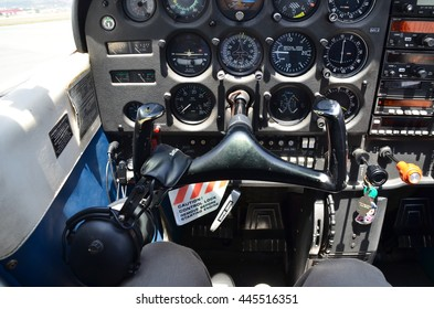 Hawaii / U.S.A Apr 2015 : Inside cockpit of a cessna airplane during flight.