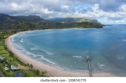 Hawaiian bay with ocean and mountains
