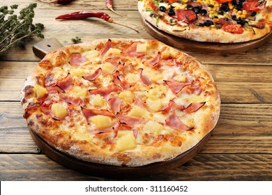 hawaiian  pizza  rustic table background
