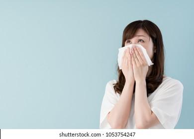 Hay fever women, Tissue, Runny nose, sneezing