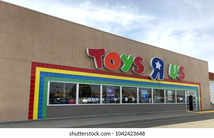Hayward, CA - March 09, 2018: Toys R Us store front. Bankrupt retailer Toys R Us may shut all its US stores as soon as next week, according to several reports.