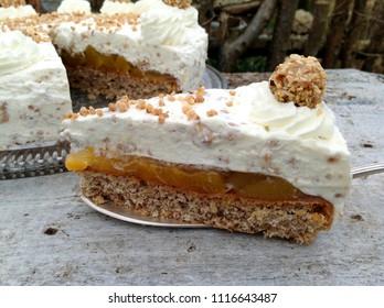 Hazelnut cake with peaches