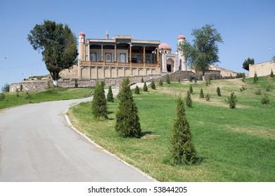 Hazret Hyzr Mosque