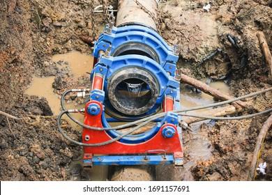 Fusion de tuyaux HDPE pour tuyauterie souterraine de bouche d'incendie