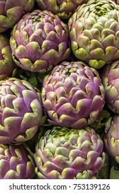 Head of the Artichokes on the market