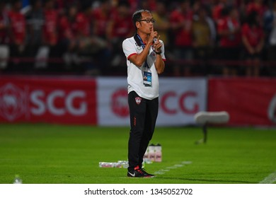 Head CoachPairoj Borwonwatanadilokof SCG Muangthong United in action during The Football Thai League SCG Muangthong United and PT Prachuap F.C.at SCG Stadium on February24,2019 in Nonthaburi,Thailand