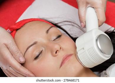 Head hot cold in salon spa