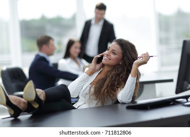 head woman talking on the smartphone