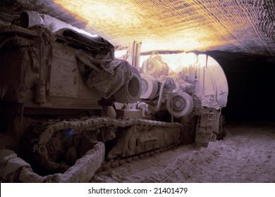 heading machine in underground mine