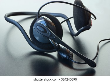 Headphones with a microphone.