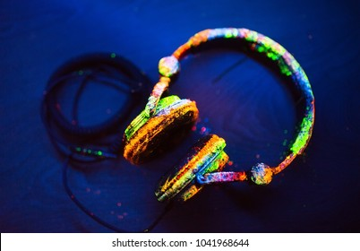 Headphones painted in UV powder.