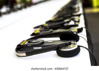 headphones used for simultaneous translation equipment (simultaneous interpretation equipment)
