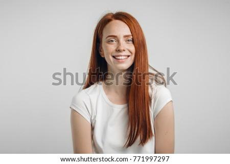 Skinny Rotschopf Mädchen Teenager pusy ass