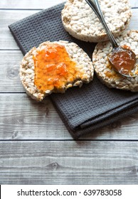 Health Breakfasts rice cakes with apricot jam