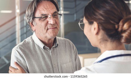 Health worker talking to the patient