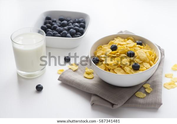 Healthy breakfast cereals with blueberries