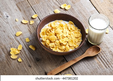healthy cereal breakfast. on a wooden surface - cereal with milk