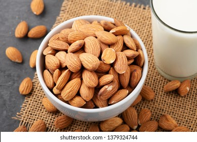 Healthy Diet-Almond milk with almond
