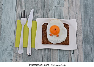 healthy easter breakfast - fried egg as chick