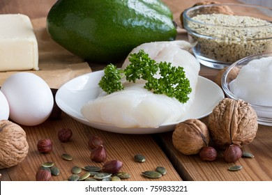 Healthy fats - wild caught fish, avocado, butter, eggs, hemp seeds, walnuts, hazelnuts, pumpkin seeds, coconut oil