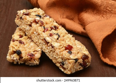 Healthy fruit and nut granola bars