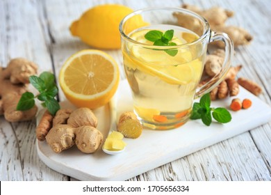 gesunder Ingwer-Tee mit Zitrone