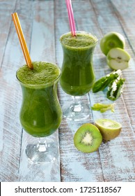 healthy green juice with apple, kiwi and spinach