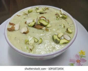 Healthy makhana phirni topped with dry fruits