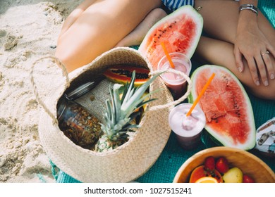 healthy picnic food on the beach