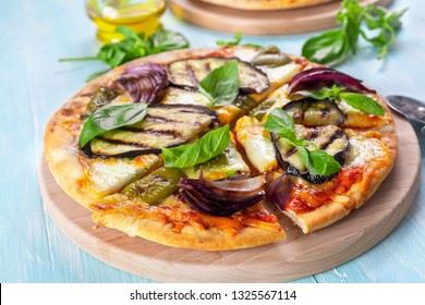 Healthy Pizza with Grilled Aubergine, Pepper, Red Onion and Cheese