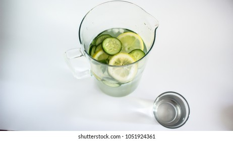 healthy refreshing drink cucumber lemon mint water fit