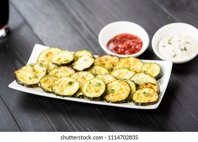 healthy snack - zucchini chips and sauces