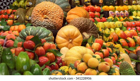 Healthy Vegatables and Fruits in market / photography of the variety of fruits at the market