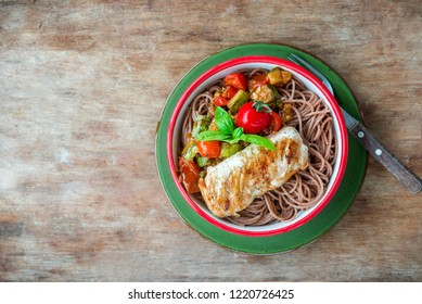 Healthy wholegrain pasta with chicken breast and vegetables