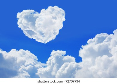 heart cloud on blue sky.