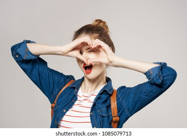 heart with fingers, teenage girl, fashion