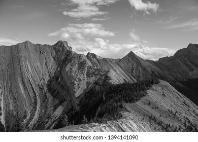 Heart mountain in canmore black and white