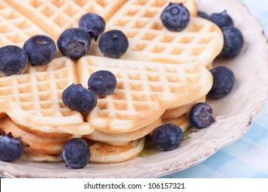heart shape waffels with berries