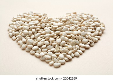 Heart shaped dried white kidney beans