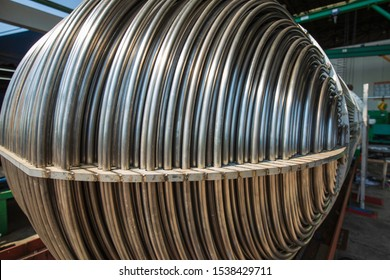 heat exchange tube Detail U-shaped tube bundle of industrial a shell and tube condenser material from stainless steel.