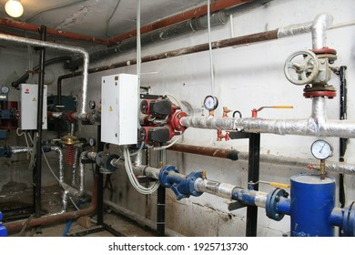 Heat and power equipment for individual heating stations in the operating conditions.