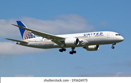 HEATHROW, LONDON, UK - MAY 3: United Airlines Boeing 787 Dreamliner (N27901) landing on May 3, 2014 at London Heathrow Airport, London, UK.