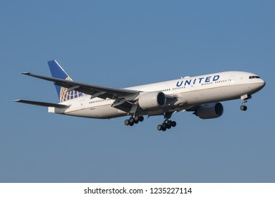 HEATHROW, LONDON, UK - November 17, 2018: United Airlines Boeing 777-222(ER) (N222UA) landing on November 17, 2018 at London Heathrow Airport, London, UK.